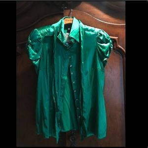 Bebe button down blouse, size M, emerald color NWT